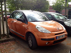 Citroen C3 Pluriel de 2006 9581 XN 37 - 17 mai 2013 (Avenue Marcel Merieux - Tours) 1 (Padicha) Tags: auto new old bridge france water grass car station electric truck river french coach ancient automobile eau indre may police voiture ruine cher rest former 37 nouveau et loire quai franais nouvelle vieux herbe vieille ancienne ancien fleuve nationale vehicule lectrique reste gendarmerie gazon indreetloire franaise pave nouveaut vhicule utilitaire restes vgtalise letramdetours padicha