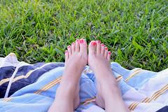 No Recreio-Nando Reis (Marideolil) Tags: green feet nikon grama p picnik piracicaba happyday nikond3200 agronomia porondeandei friastequierocomlimo