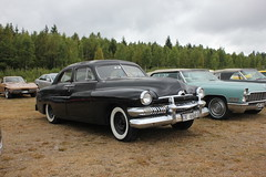 Mercury 1951 (Drontfarmaren) Tags: pictures summer classic car 30 vintage gallery power mercury sweden cruising american end coverage aug meet bilder 1951 emmaboda galleri 2013 drontfarmaren