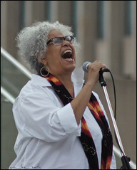tabby johnson ..... (ana_lee_smith) Tags: tabbyjohnson canadian artist jazz blues gospel singer actor voice specialist actra activist female performer inconcert hiroshima memorial cityhall nathanphilipssquare queenstreet toronto canada candid photography concert stills performance portrait sonyslta33 minolta af 70210mm beercan lens analeesmith