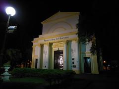 "Vista nocturna de Parroquia Nuestra Señora del Socorro - San Pedro <a style=""margin-left:10px; font-size:0.8em;"" href=""http://www.flickr.com/photos/62525914@N02/12213179804/"" target=""_blank"">@flickr</a>"