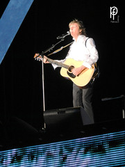Blackbird & Here today (-Patt-) Tags: uruguay wings beatle beatles montevideo mccartney paulmccartney 2014 outthere estadiocentenario 19deabril outtheretour