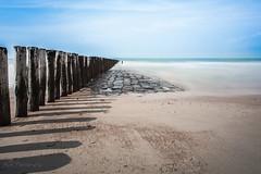 Beach, Sun, Sea.. - Cadzand (Mini-UE    Mini-Photography) Tags: sea sun seascape beach strand relax landscape photography warmth mini zee enjoy scape chill depth zon cadzand diepte herhaling golfbrekers