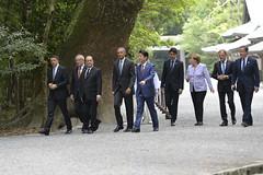 G7 leaders visit Ise Jingu Shrine (The Prime Minister's Office) Tags: uk japan photo shrine government arrival treeplanting primeminister g7 2016 10downingstreet davidcameron isejingu georginacoupe