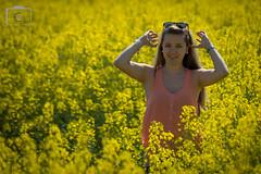 Rapsfeldshooting mit Sabrina, 12.05.2016 (carsten.nacke) Tags: portrait sabrina sunshine yellow outdoor posing hannover gelb carsten allee gutelaune sonnenschein kronsberg rapsfeld schneswetter nacke outdoorshooting rapsfeldshooting carstennacke sabrinanacke daddydoughter