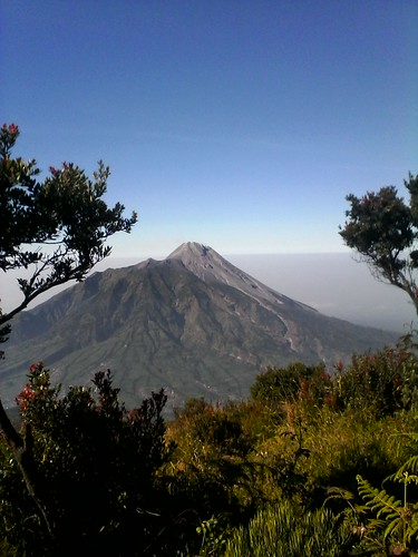 "Pengembaraan Sakuntala ank 26 Merbabu & Merapi 2014 • <a style=""font-size:0.8em;"" href=""http://www.flickr.com/photos/24767572@N00/26888536790/"" target=""_blank"">View on Flickr</a>"
