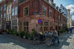 Streetcorner @ Leiden (PaulHoo) Tags: street city people urban holland netherlands bicycle cycling leiden nikon cyclist candid citylife streetphotography streetcorner lightroom 2016 streetcandid d700