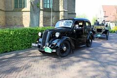 1939 Ford Saloon 7 W (Davydutchy) Tags: classic ford car automobile tour ride rally 7 bil oldtimer frise saloon friesland bolsward klassiker frysln elfstedentocht frisia vetern 7w boalsert