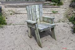 Lonely Seat (Pieter Musterd) Tags: holland canon nederland thenetherlands denhaag canon5d nl stoel paysbas thehague niederlande zuidholland kijkduin lonelyseats musterd omejan pietermusterd juttermuseum sgravenhage canon5dmarkii haagspraak pmusterdziggonl