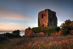 Beagh Castle in the setting sum (John Holmes (DAJH51)) Tags: beaghcastle hdrphotomatrix limerick cottages evening naillvarish rivershannon ruin sunset tower walls