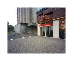 las vegas (ha*voc) Tags: urban 120 film mediumformat rotterdam rangefinder 6x7 urbanfragments kodakportra400 mamiya7ii 43mm katendrecht