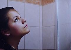 Cul es la manera adecuada de lavarse el cabello? (revistaeducacionvirtual) Tags: mujer agua bao belleza pelo cabello espuma trucos lavado consejos champ cuidadopersonal consejosdecuidadopersonal
