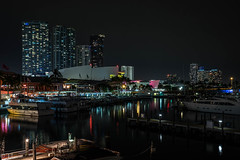 Colored Miami (silberne.surfer) Tags: fuji florida miami urlaub boote nightshots langzeitbelichtung baysidemarketplace nachtaufnahmen lte xf23mmf14 fujixt1 miamirina miamirinaatbayside