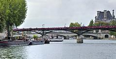 Pont des Arts (AntyDiluvian) Tags: trip bridge paris france seine quai iledelacite pontdesarts 2015 quaideconti