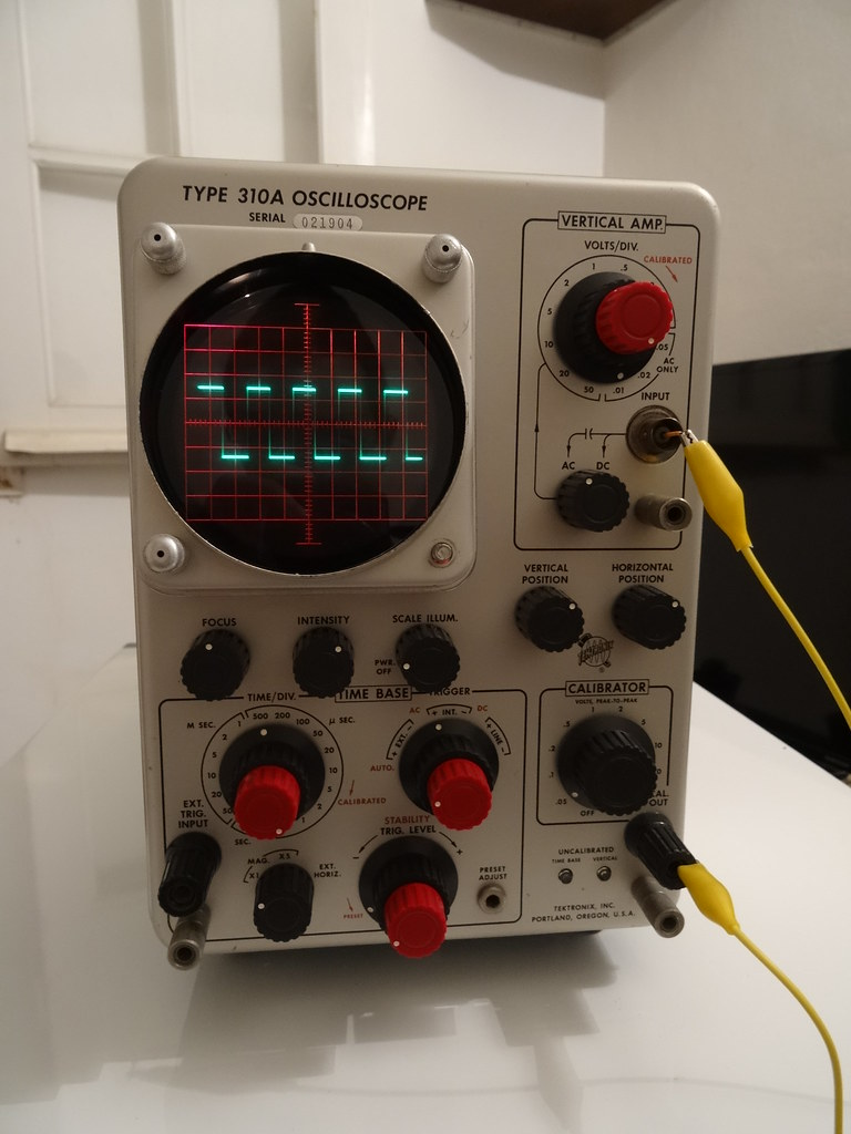 Vintage Tektronix Oscilloscopes : The world s best photos of oscilloscope and vintage