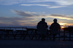 The end of the day (Explore 20/6/2016) (Caroline Oades) Tags: endoftheday sunset sundown twilight dusk silhouette man woman couple people brackleshambay westsussex england 104366 1342016