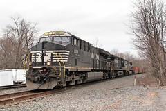 NS #8118 (sldrukman76) Tags: railroad railway diesel engine freight newjersey norfolksouthern generalelectric es44ac locomotive piscataway