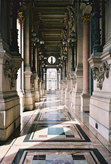 (victortsu) Tags: paris france architecture opra mjuii xix avenuedelopra opragarnier charlesgarnier portra160 kodakportra olympusmjuii kodakportra160 victortsu charlesgarnierarchitecte
