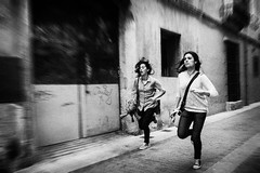 Run (unoforever) Tags: street two people monochrome youth photography calle gente streetphotography run dos streetphoto fotografía castellón juventud corder spmonochrome unoforever