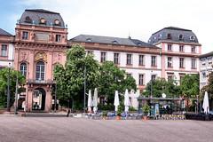 Residenzschloss - Darmstadt 01 (Stefan_68) Tags: castle germany deutschland hessen château darmstadt stadtschloss schlos residenzschlos