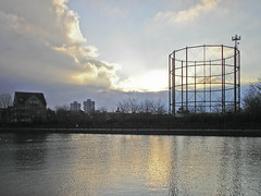 Surrey Water (Gary Kinsman) Tags: 2005 nowhere 2006 frame docklands desolate rotherhithe councilestate towerblocks se16 unplace socialhousing gastower artificiallake placeless surreywater canadaestate