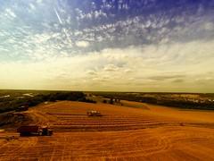 Le travail des champs 2 (Haute_Eure_Vision) Tags: la photos champs travail jolie normandie tracteur paille drone photoarienne dji gopro photosariennes goprohero3 djiphantom areinnesfrancemantes