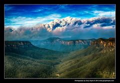 Bushfire from Evans & Govetts, Blue Mountains, Fuji X100s 2328 (Gary Hayes) Tags: evans sydney australia bluemountains lookout leap bushfire govetts