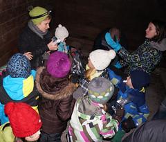 Grossandrang beim Nüsslisack (bcuzwil) Tags: santa christmas kids club weihnachten schweiz switzerland kinder weihnachtsmann claus badminton wald bcu samichlaus uzwil badmintonclub schmutzli