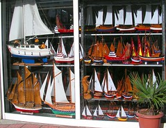 Sinop, Turkey (east med wanderer) Tags: shop turkey turkiye turchia turkei sinop modelboats