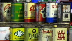 Esta decoración lucían las latas de aceite no hace muchas décadas