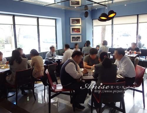 18 cafe 009.jpg