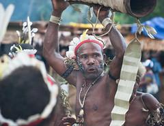 Kundus high (Sven Rudolf Jan) Tags: dancing traditional papuanewguinea alotau canoeandkundufestival