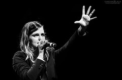 Christine and The Queens - Artiste fminine de l'anne 2015 (Chacha_Lala) Tags: music canon concert feminine live sigma musique artiste victoiredelamusique christineandthequeens artistefemininedelannee