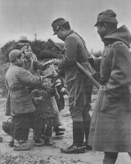 Japanese officers hand out sweets to Chinese children. Nanning, China. November 6, 1937. [640 x 800] #HistoryPorn #history #retro http://ift.tt/24UNhyY (Histolines) Tags: china november 6 history out children japanese hand chinese x retro sweets timeline 800 nanning 1937 officers 640 vinatage historyporn histolines httpifttt24unhyy