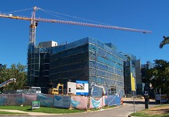 Science Place - 28th June 2016 (Oriolus84) Tags: architecture campus construction university crane australia queensland townsville jcu towercrane scienceplace lendlease hammerheadcrane jamescookuniversity