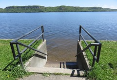 Lake Pepin of the Mississippi River (Goodhue County, Minnesota) (courthouselover) Tags: minnesota wisconsin landscapes mississippiriver mn wi pepincounty lakepepin goodhuecounty