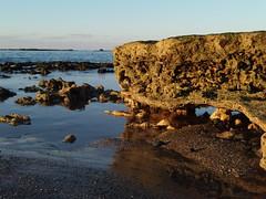 P1051373 (alejandravegamartn) Tags: paisaje landscape places lugares gran canaria las canteras playa beach human humano seor hombre teide mar oceano ocean instantes instants barco boad