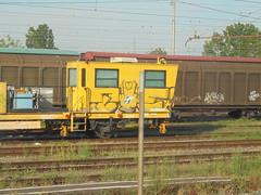 371 (en-ri) Tags: tiè dito medio nero train torino graffiti writing