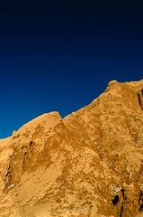 Valle de la Luna VII (Luiz Filipe M. Correia) Tags: chile southamerica areia cu atacama valledelaluna andes minimalismo pedra deserto viagemdemoto