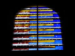 Benet (ChevillonW) Tags: colors stainedglass vitrail vidrieras stainedglasswindow vitraux stainedglasses vitrales vetrocolorato