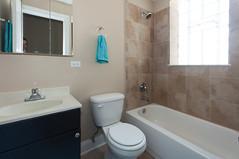 1632.Belmont.411.BA (BJBProperties) Tags: horizontal studio bathroom model furnished 1411 t11 1632belmont
