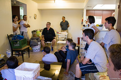 Deliveries: June 25, 2016 (TheWelcometoAmericaProject) Tags: arizona refugee refugees volunteers az delivery volunteer volunteerism socialservices welcometoamerica wtap thewelcometoamericaproject