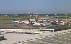 Boeing 787 Dreamliners at Amsterdam Schiphol Airport AeroMexico XA-AMR Kenya Airways 5Y-KZBXiamen Airways B-2768 webcam capture (AirportWebcams.net) Tags: amsterdam webcam airport kenya boeing airways capture schiphol ams aeromexico eham 787 dreamliners b2768 xaamr 5ykzbxiamen