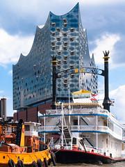 Elbphilharmonie (dieterkolm) Tags: hamburg gebude dieter kolm architektur motive tourismus