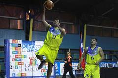 TUCAPEL VS WOLF__55 (loespejo.municipalidad) Tags: chile santiago miguel azul noche amarillo bruna silva deportes jovenes balon rm adultos alcalde competencia basquetbol loespejo