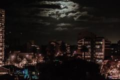 El cielo de Tigre (Dan Fajardo) Tags: city sky moon night de lights luces noche town nikon buenos aires ciudad luna nocturna mm 500 nikkor f18 provincia tigre