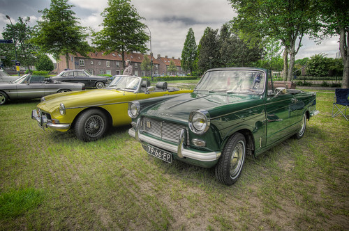 79-66-EO - Triumph Herald 1250 Cabriolet and 11-64-ZE - MG B