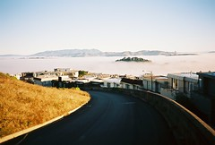 Above the fog one morning (Robert Ogilvie) Tags: foundinsf olympusxa kodakektar gwsf