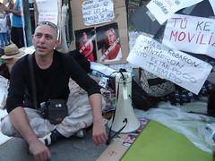 EN HUELGA DE HAMBRE POR LA SITUACIÓN ACTUAL 18O#230 (Jül2001) Tags: protest revolution revolución politica puertadelsol 15m manifestaciones protestas spanishrevolution 15mayo huelgadehambre movimientossociales indignados acampadasol actoreivindicativa motivosdealex motivosdejorge