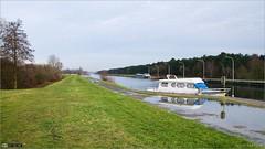 Het Netekanaal (bbusschots) Tags: boat canal belgium pathway lier topazadjust